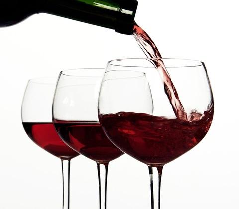 Acquista on line il tuo vino rosso sfuso su www.latanadelvino2.com
